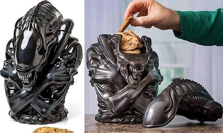 alien cookie jar defeats predator godzilla spider man captain